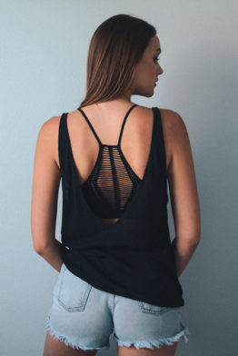 seamless-slash-racer-back-bralette-black-back