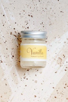vanilla-natural-sugar-lip-scrub